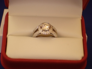 Diamond Engagement Gary King of Oro de Rey created in 14 kt white gold to accompany wedding band