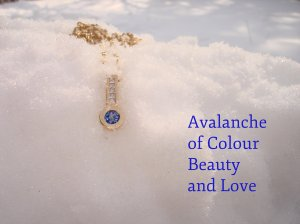sapphire, diamonds, gold, pendant, chain, concierge jewellery