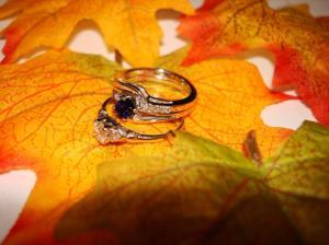 engagement ring, sapphire, custom made diamond wedding band, grandmothers ring, gold, oro de rey, concierge service